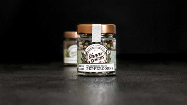 Vanns Spices – Package Design
